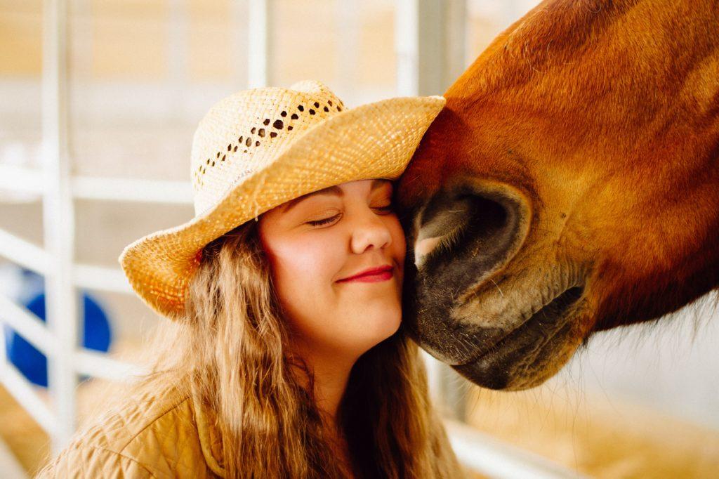 Le cheval en médiation animale n'est pas considéré comme monture mais comme partenaire. Psychologue intervenante en médiation animale, madame vieilleribiere développe ses propos