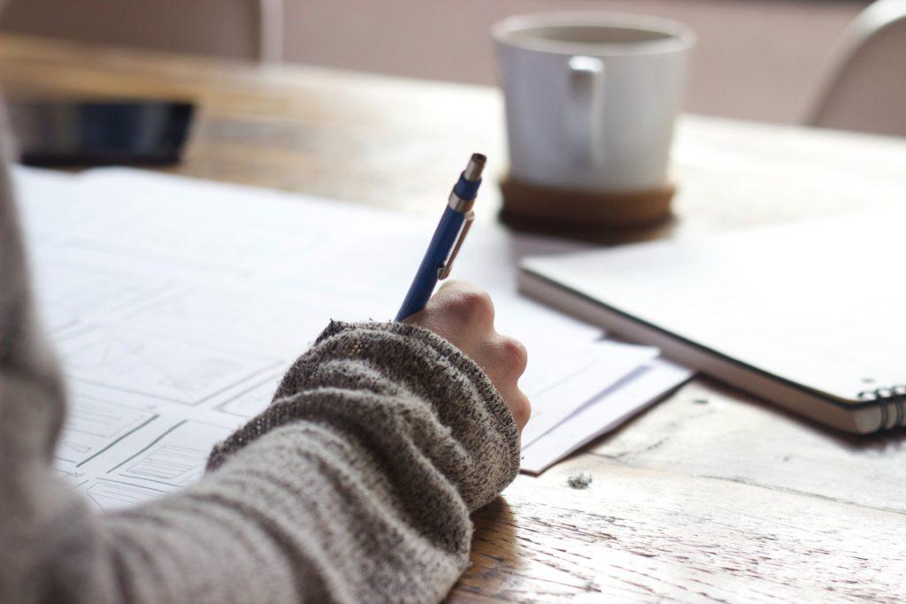 Gérer son stress en phase d'alerte c'est avoir l'idée d'écrire. Un petit conseil : essayez d'analyser le problème !